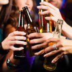 会社の飲み会でのマナーについて。印象を悪くしない話題の選び方